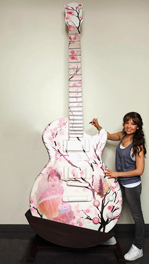 thalia_gibson_les_paul_sculpture_sakura_blush_guitar_town