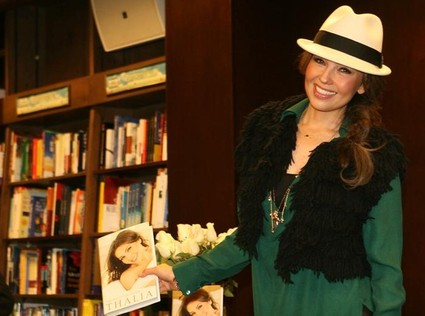 thalia_cada_dia_mas_fuerte_barnes_noble_nueva_york_new_NYC_3