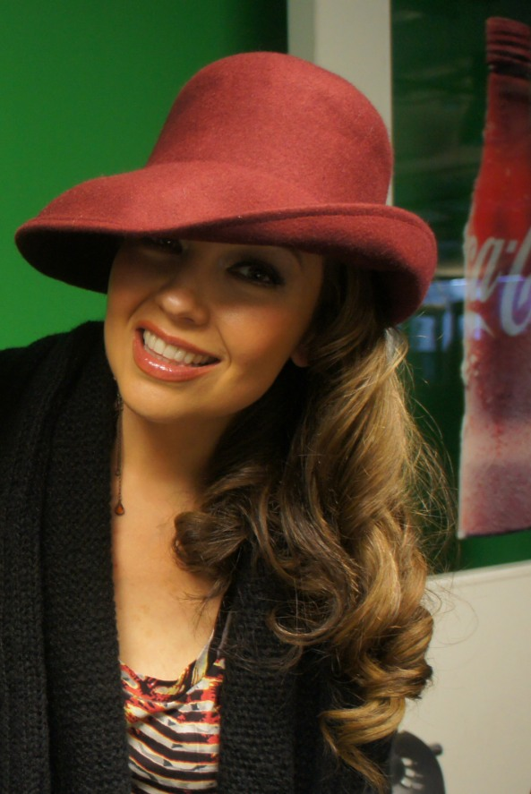 thalia_coke_lounge_cada_dia_mas_fuerte_chicago_firma_1