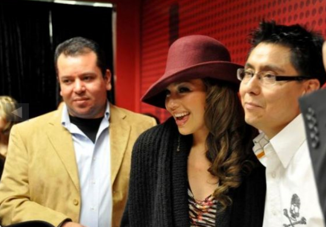 thalia_coke_lounge_cada_dia_mas_fuerte_chicago_firma_14